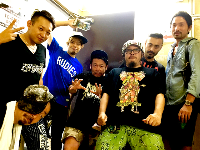 10FEET_01.JPG